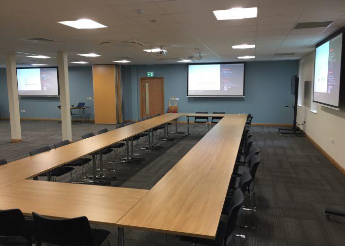 Projector Installation & Presentation System 3